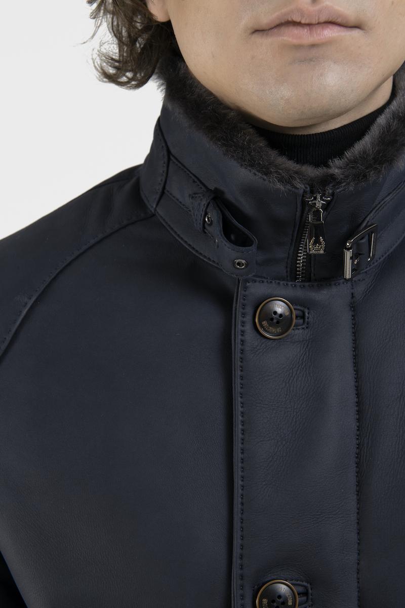 Messi-veste-agneau-retourne-merinos-bleu-detail