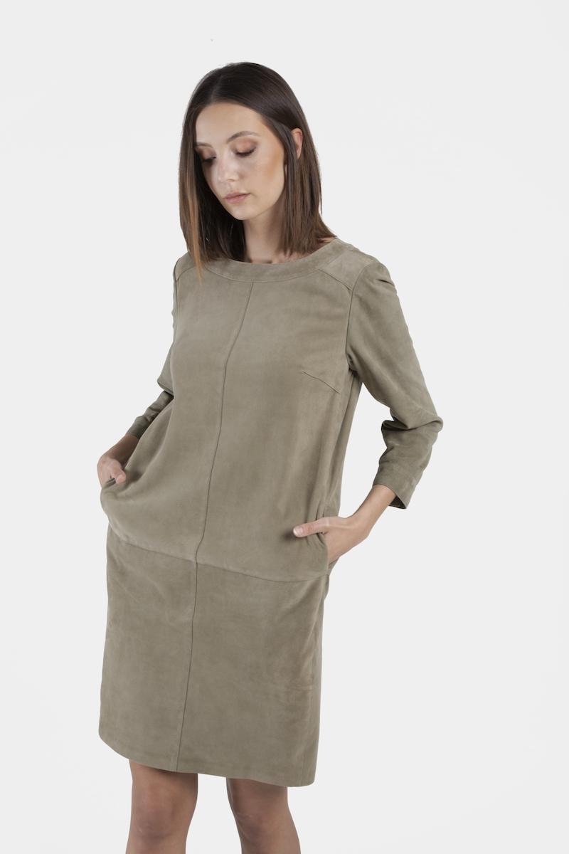 Parma-robe-chasuble-daim-closeup