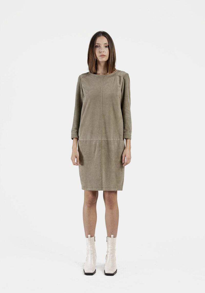 Parma-robe-chasuble-daim-devant