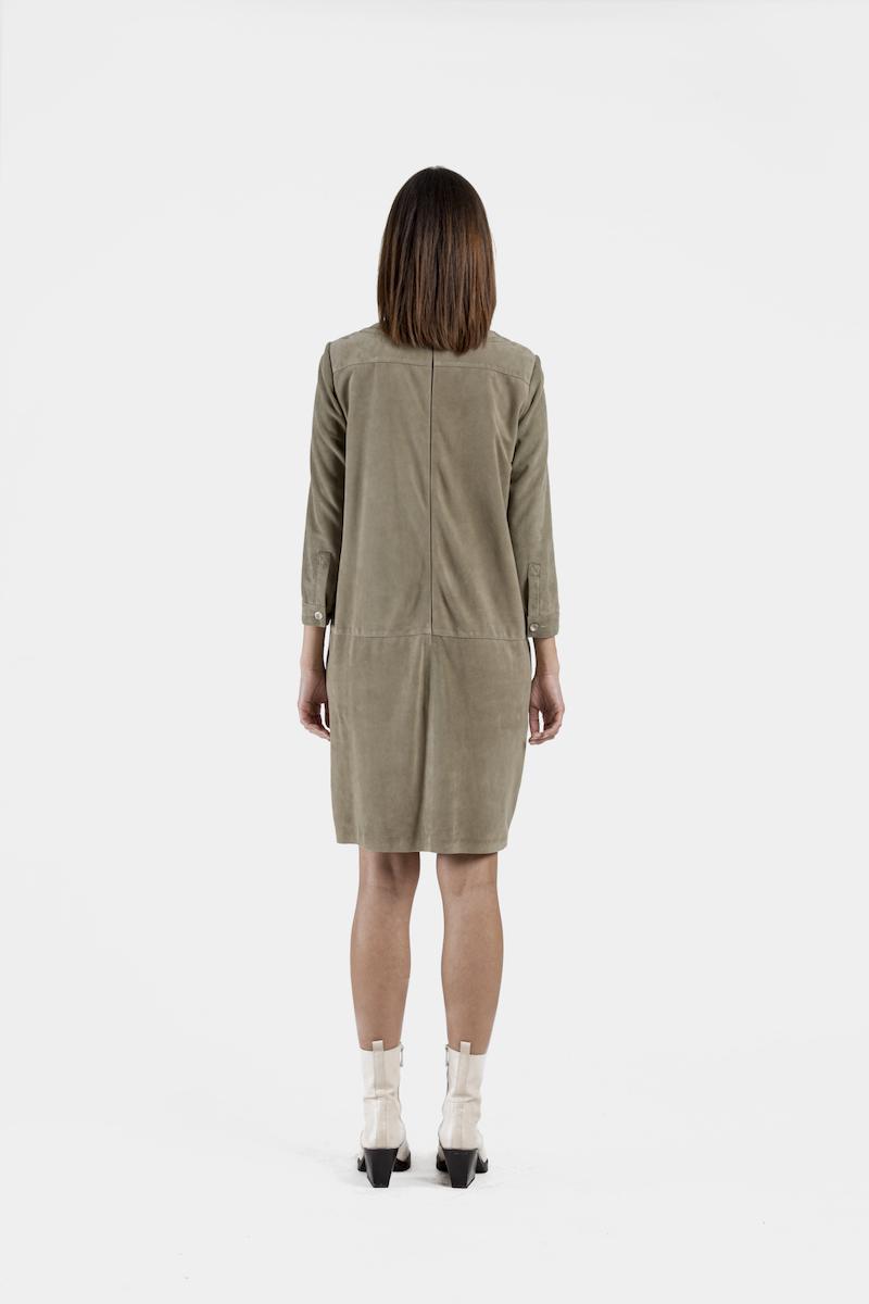 Parma-robe-chasuble-daim-dos
