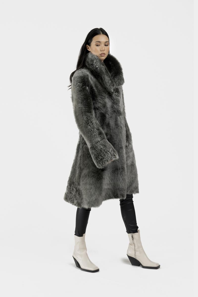 Andrea-long-manteau-reversible-agneau-retourne-toscane-cote-peau