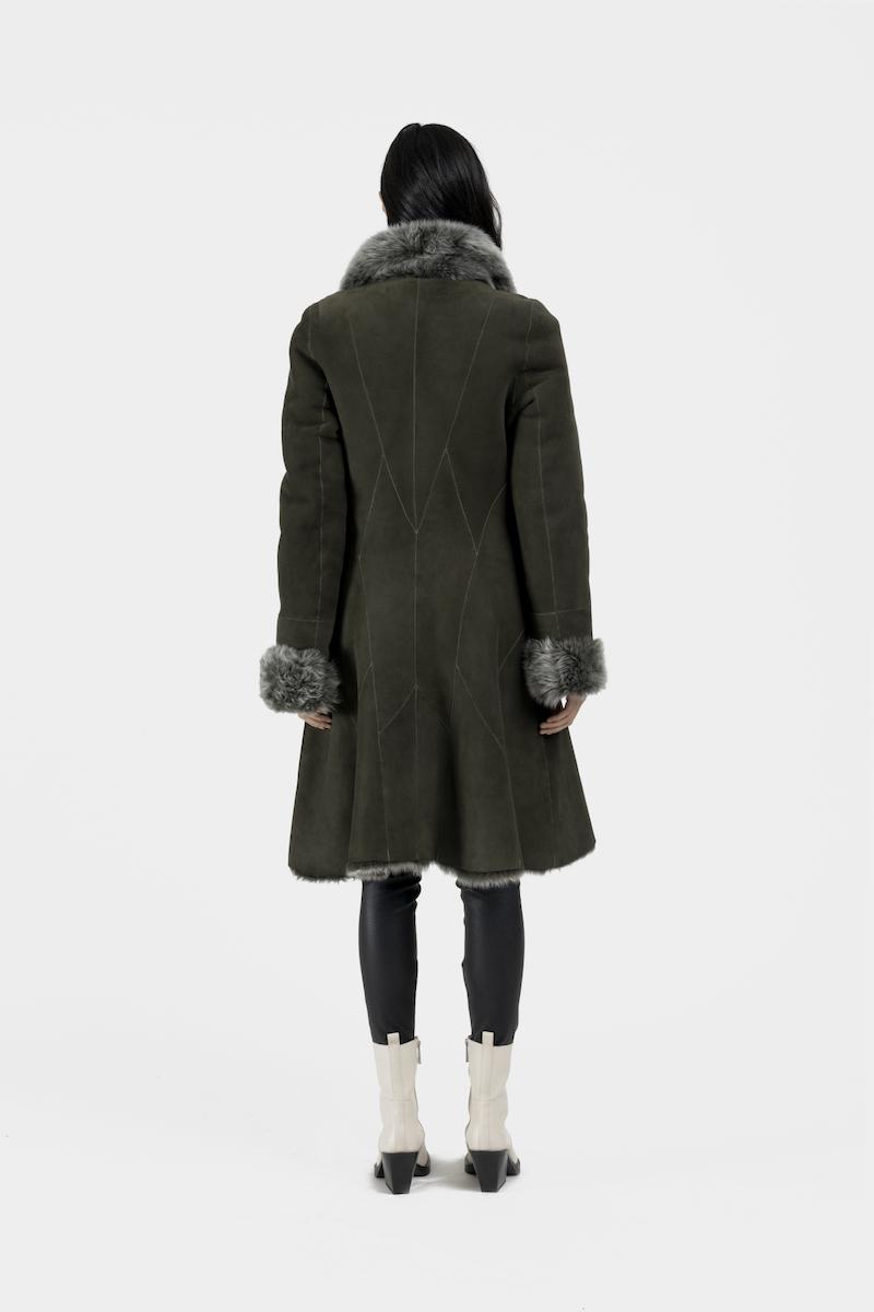 Andrea-long-manteau-reversible-agneau-retourne-toscane-dos