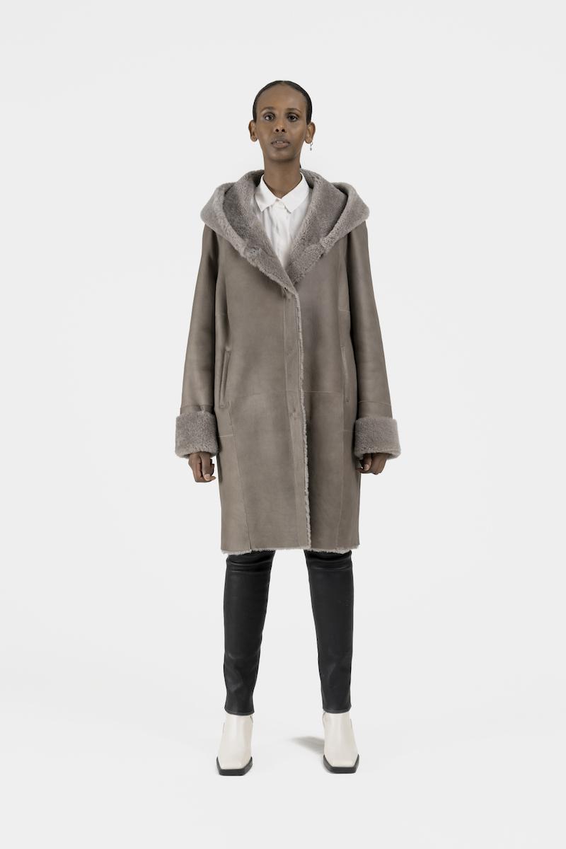 Remake-manteau-capuchon-agneau-retourne-dev