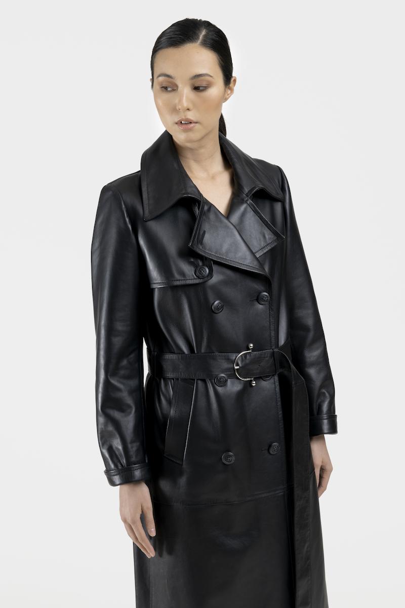 Veda-trench-cuir-agneau-noir-closeup