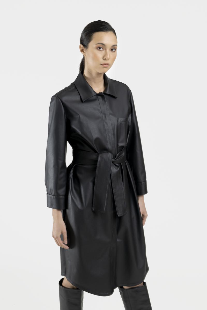 Venus-robe-cuir-vegan-closeup