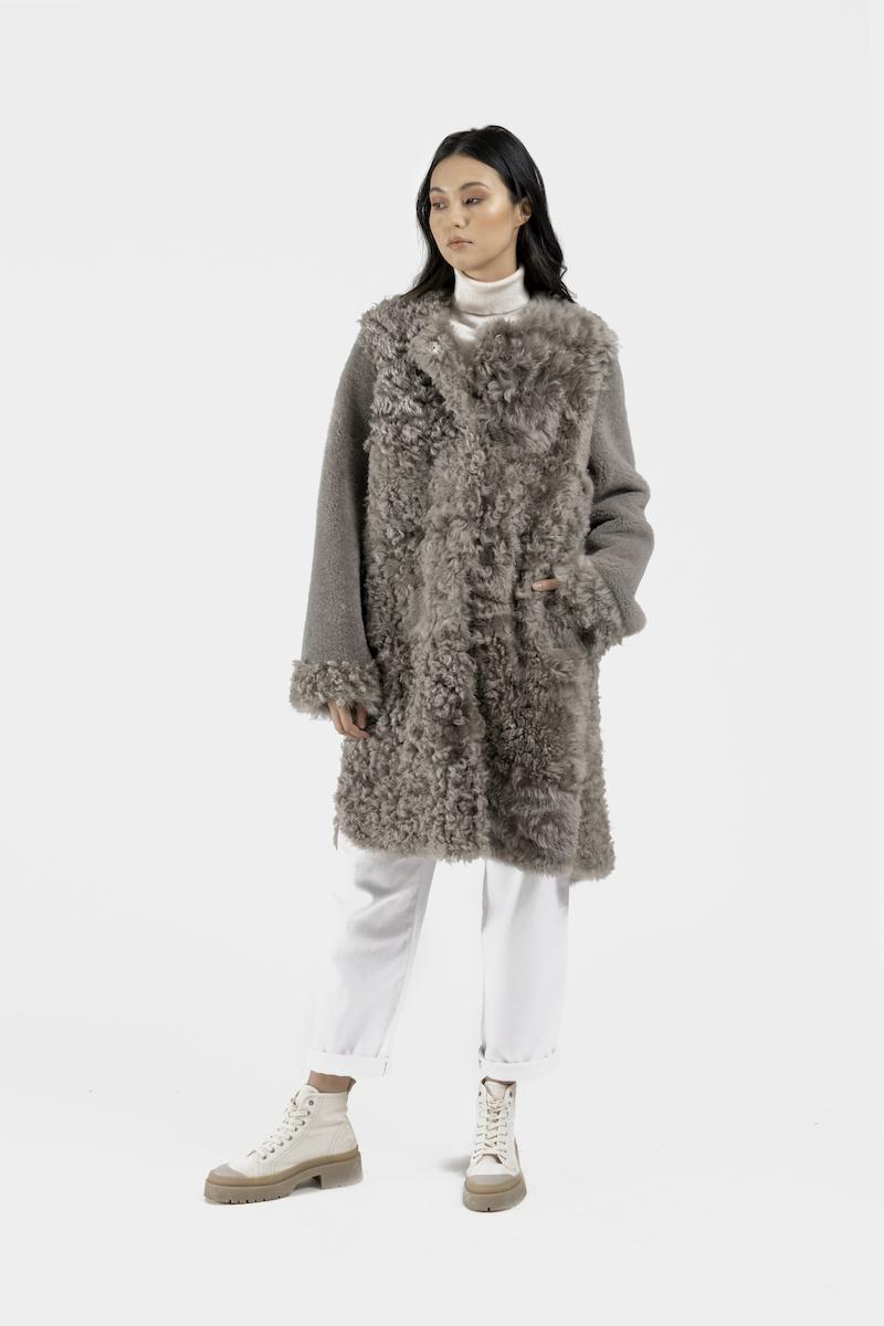 Aberdeen-manteau-agneau-retourné-gris-coté