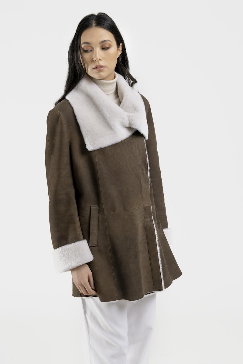 Absolu-veste-agneau-mérinos-marron-closeup