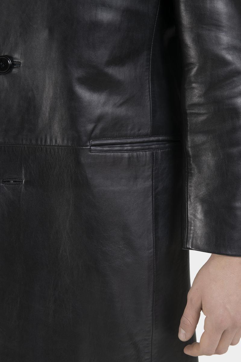 Felipe-manteau-cuir-closeup-2