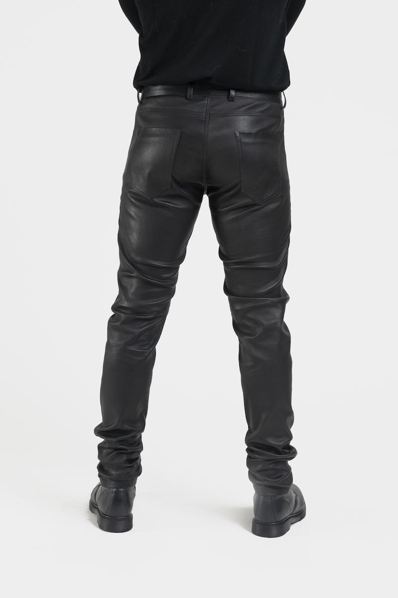 Leny-pantalon-coupe-jeans-cuir-agneau-noir-detail