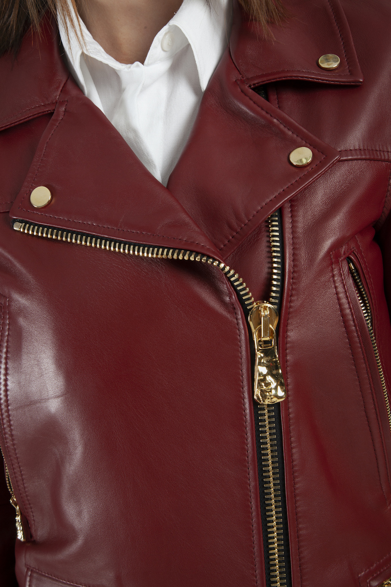 Perfecto-exclusif-cuir-agneau-rouge-dore-detail