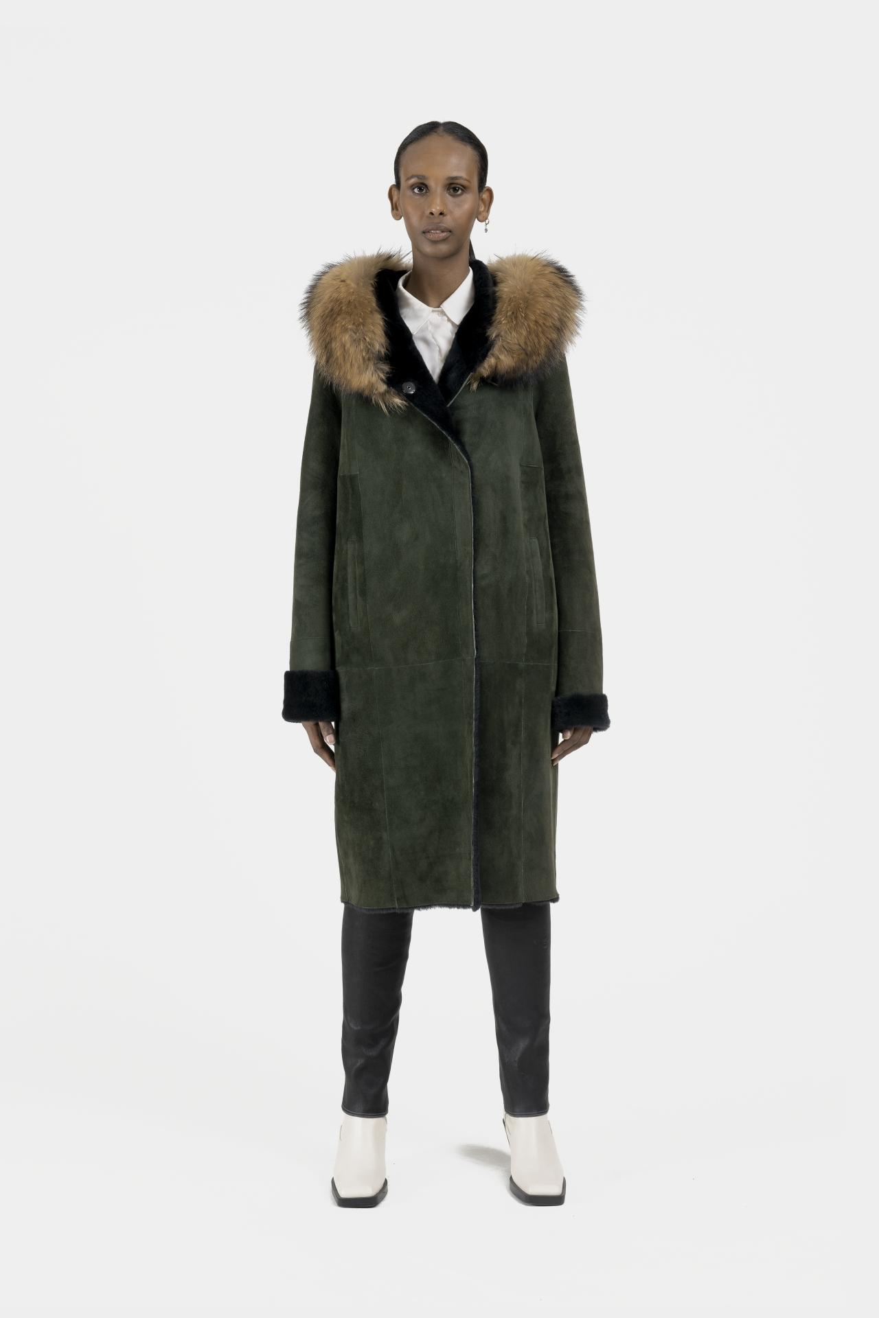 Rose-long-manteau-capuchon-agneau-retourne-dev