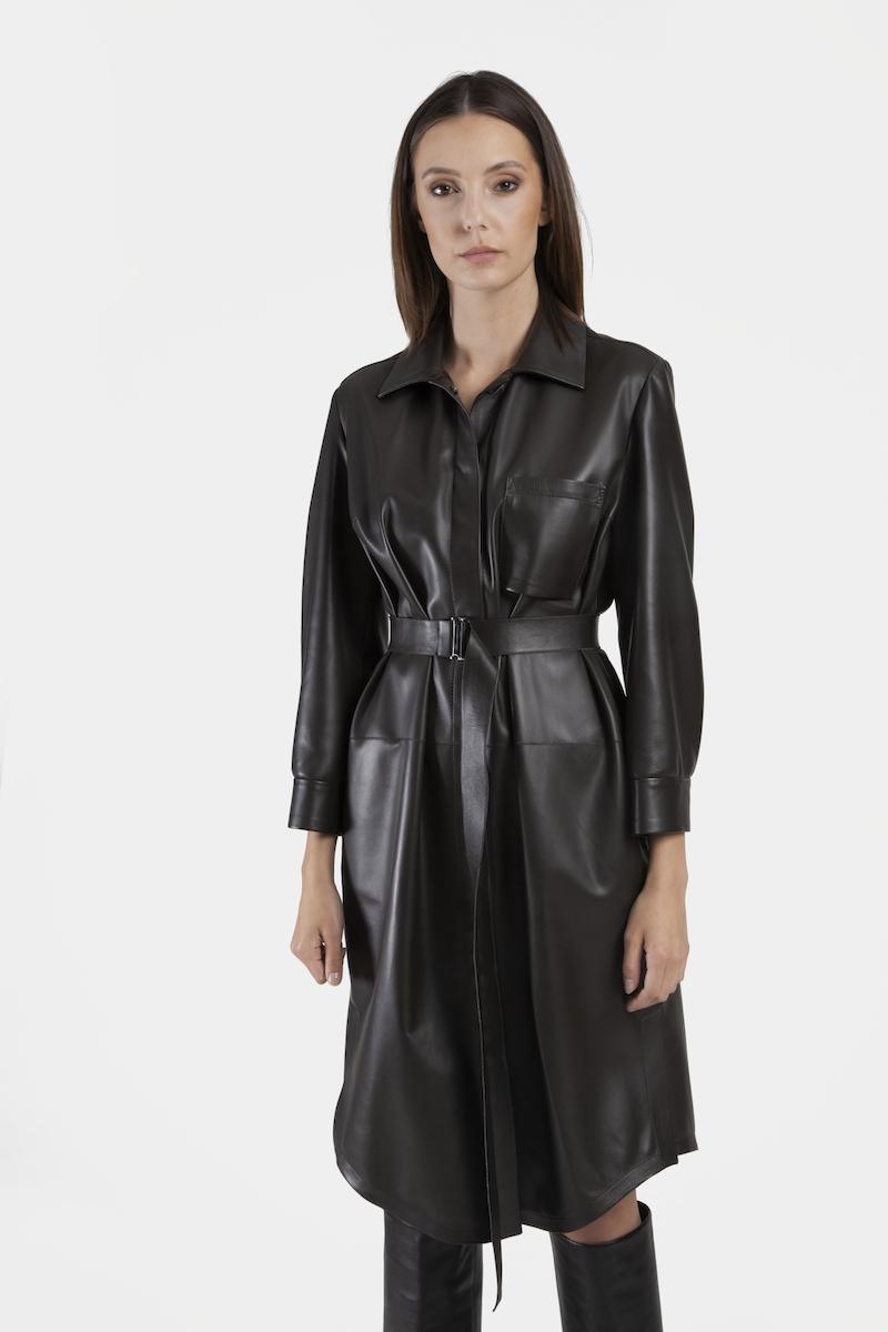 Venus-robe-cuir-agneau-closeup
