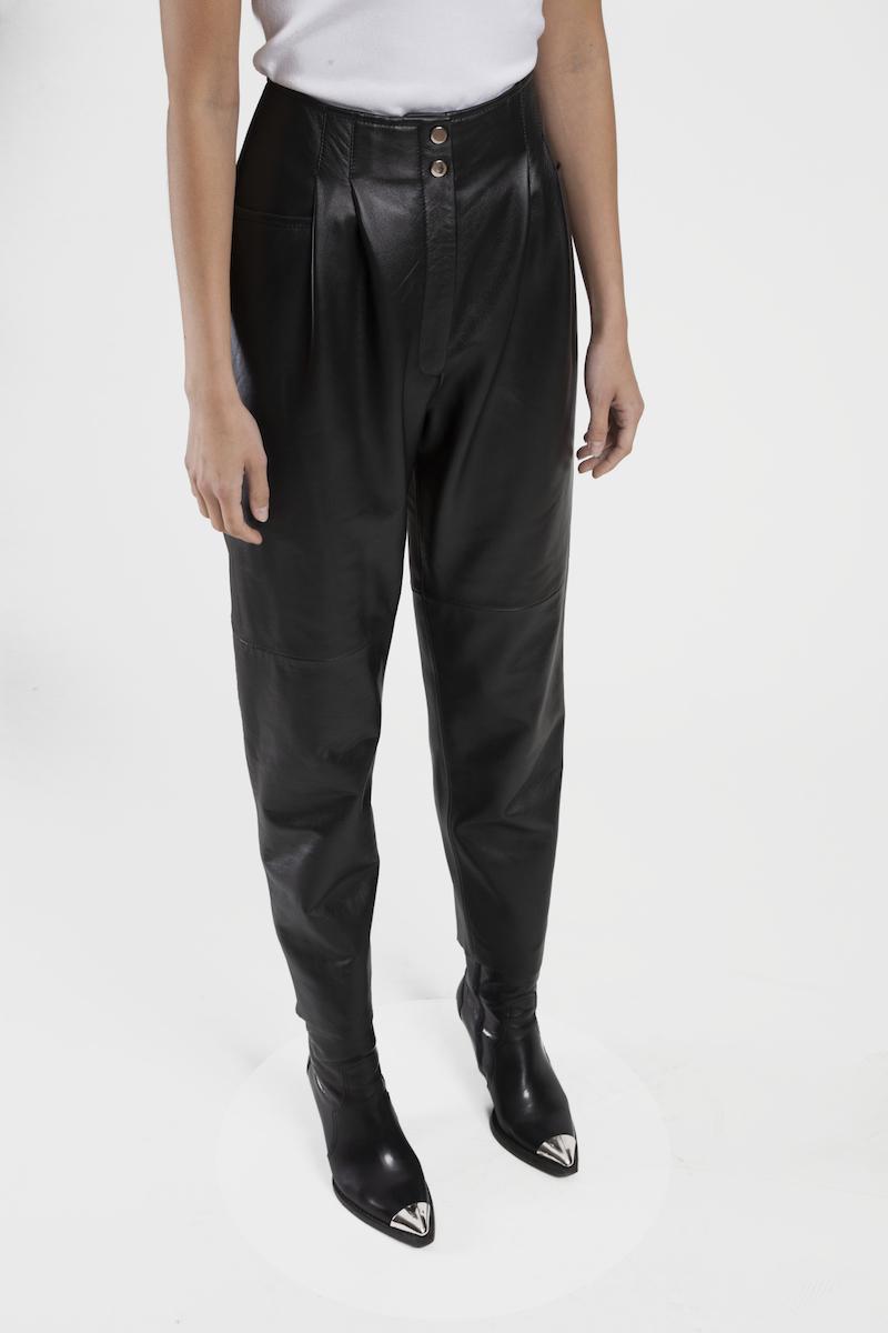 Verona-pantalon-taille-haute-cuir-agneau-closeup