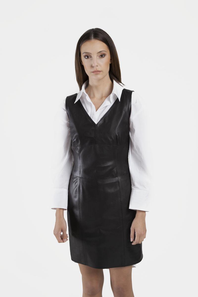 Youri-robe-cuir-agneau-noir-closeup