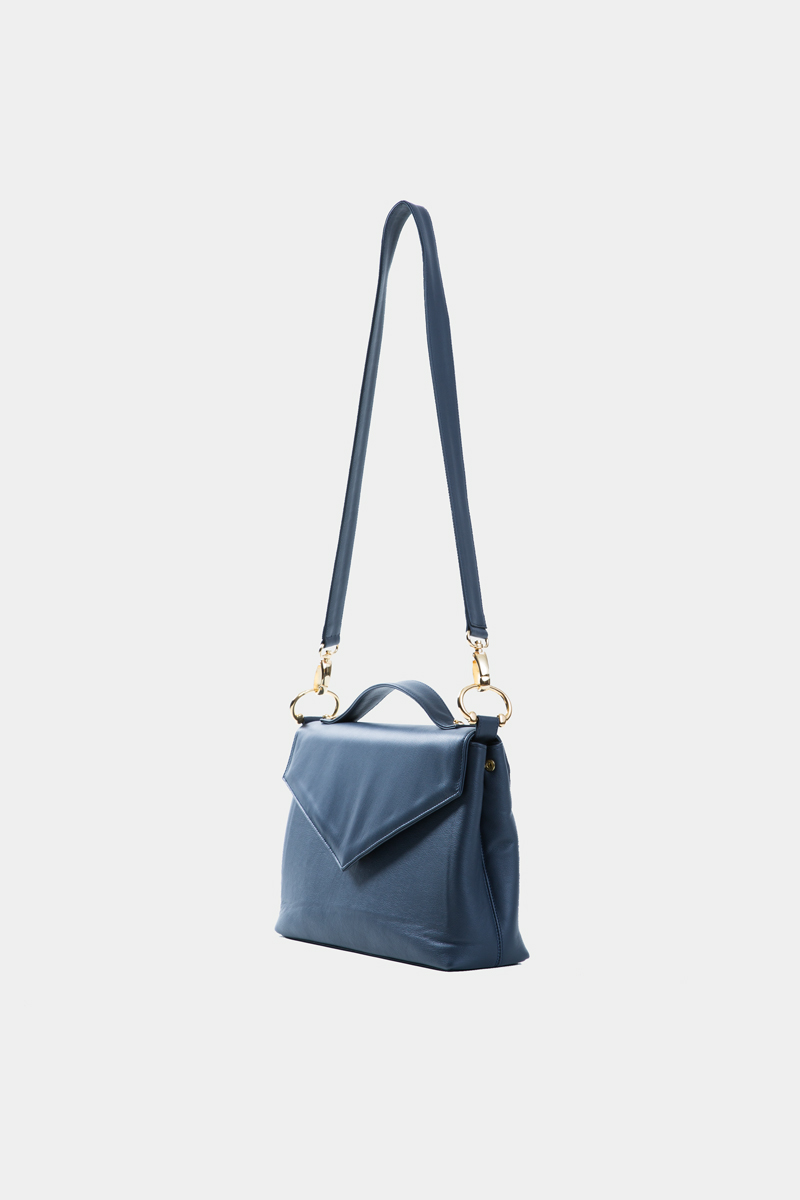 amazone-sac-a-main-pochette-enveloppe-bandouliere-cuir-veau-italien-pleine-fleur-bleu-cote