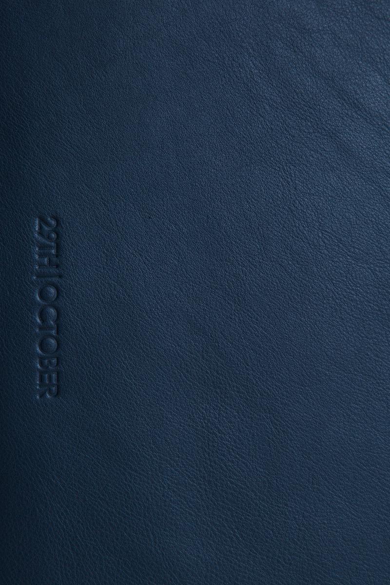 housse-pochette-ordinateur-cuir-veritable-luxe-bleu-logo