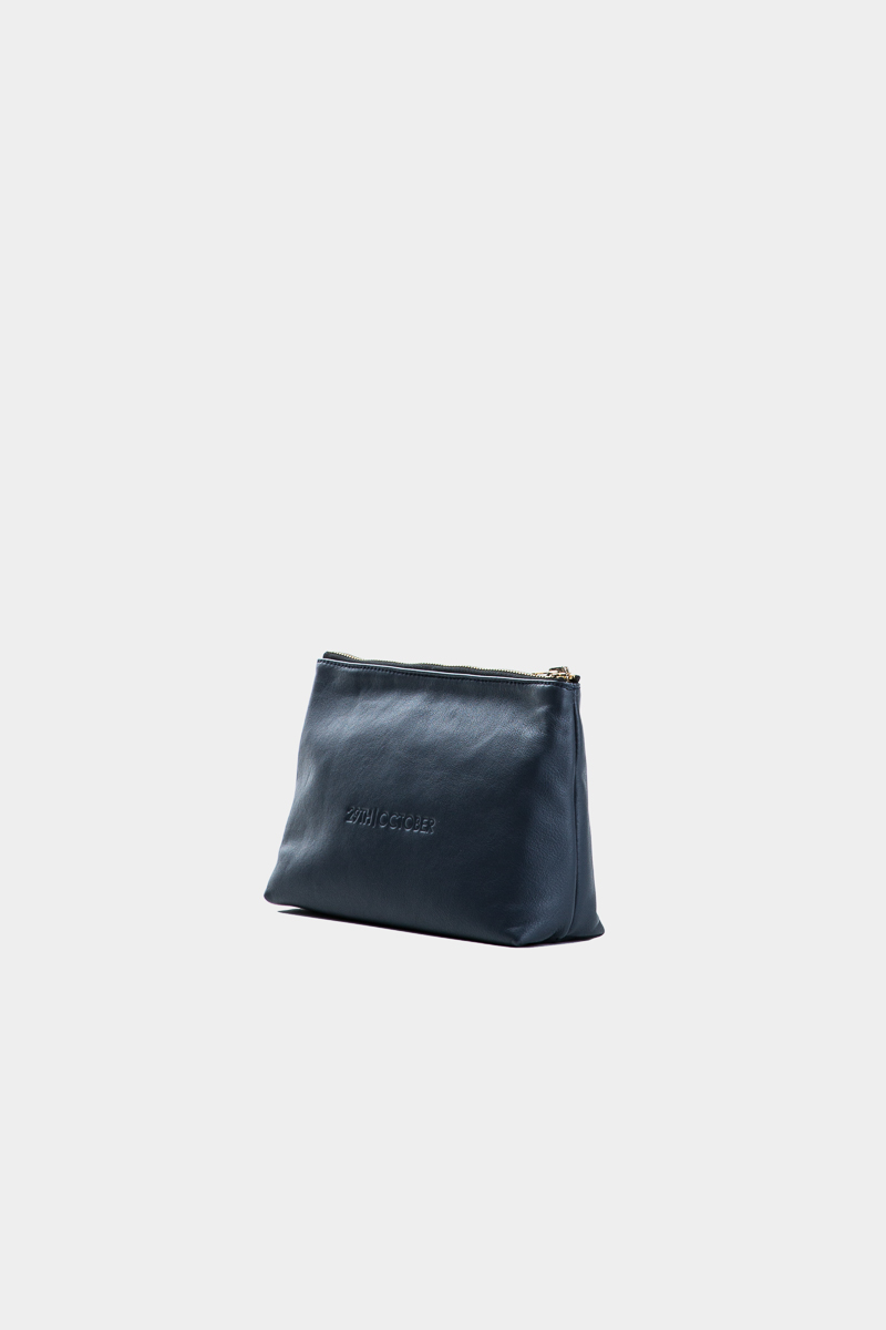 pochette-trousse-maquillage-voyage-luxe-cuir-bleu-veau-italien-cote