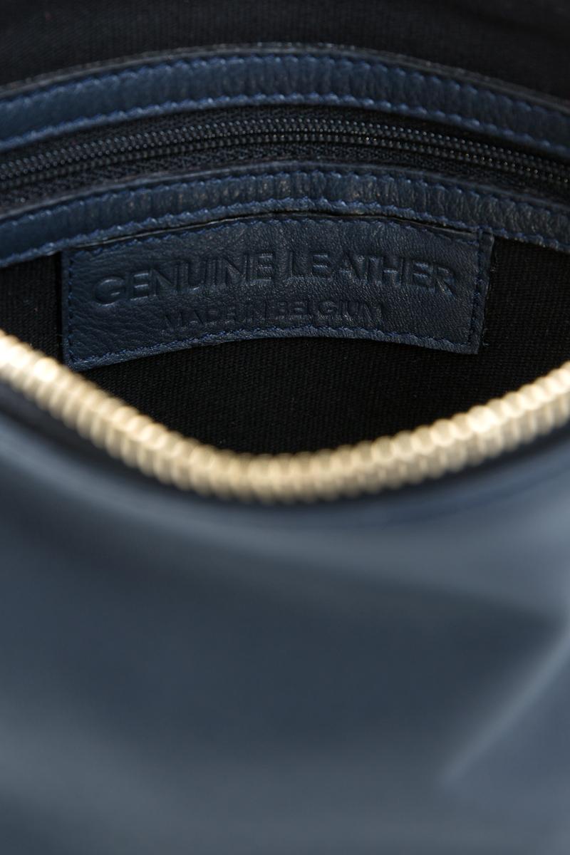 pochette-trousse-maquillage-voyage-luxe-cuir-bleu-veau-italien-interieur