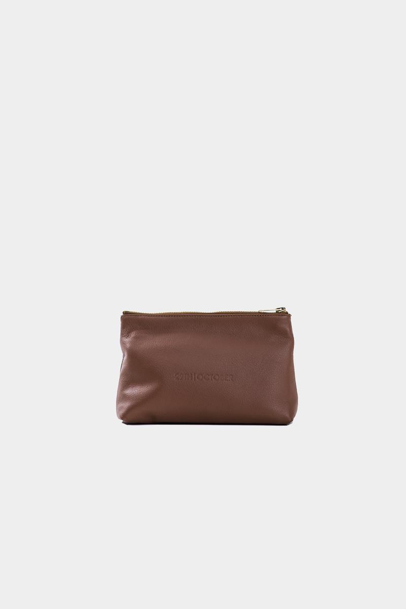 pochette-trousse-maquillage-voyage-luxe-cuir-brun-veau-italien-face