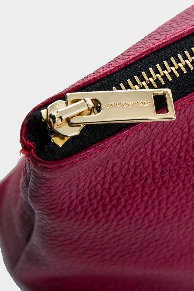 pochette-trousse-maquillage-voyage-luxe-cuir-rouge-veau-italien-detail-1