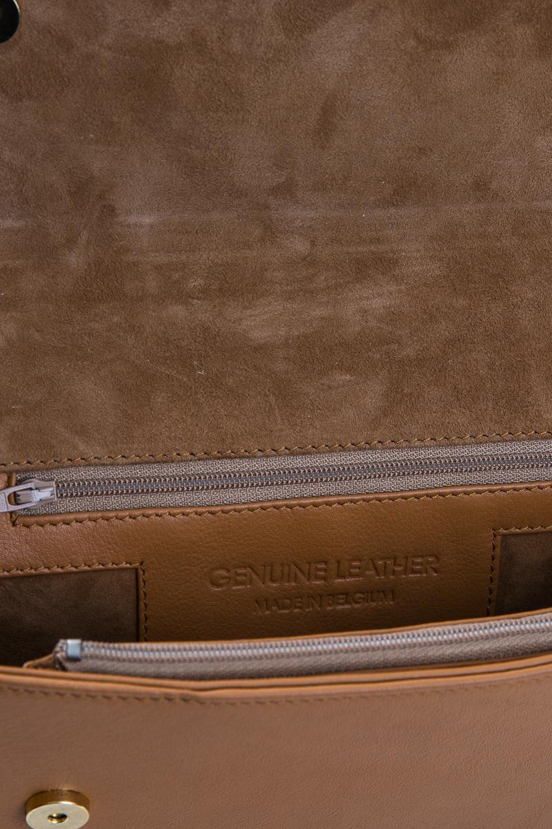 rhea-sac-a-main-pochette-cuir-veau-pleine-fleur-brun-detail