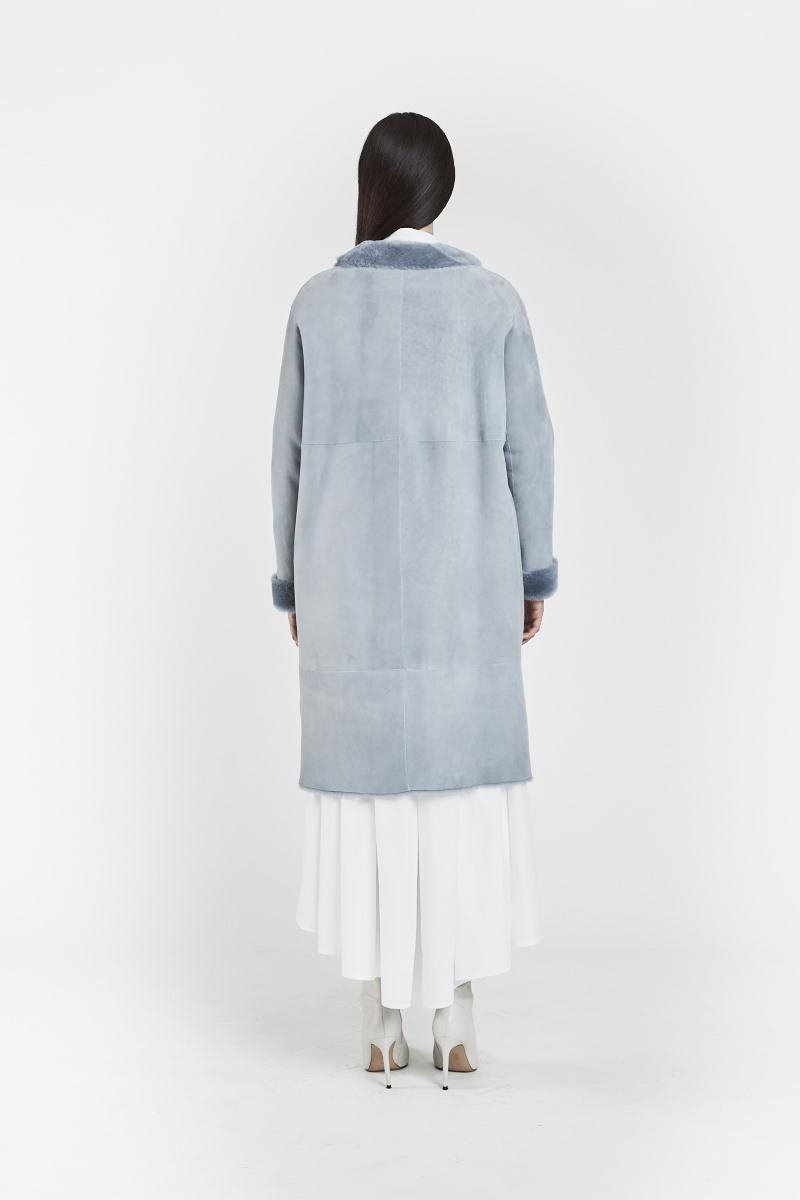 fiorella-veste-reversible-tendance-confort-legere-peaux-lainees-agneau-retourne-bleu