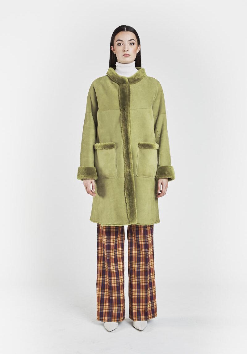 romy-manteau-chaud-confortable-col-ras-du-cou-agneau-retourne-peau-lainee-1