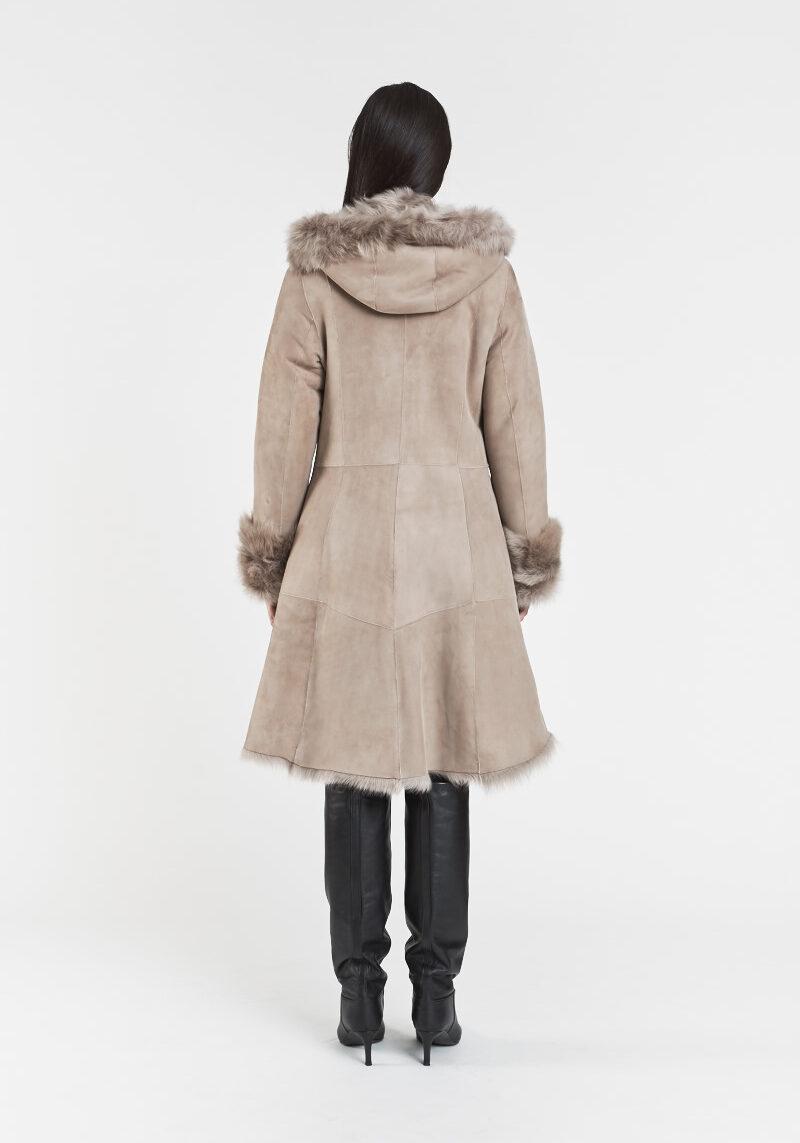 victoire-long-manteau-chic-chaud-confortable-capuchon-agneau-retourne-peau-lainee
